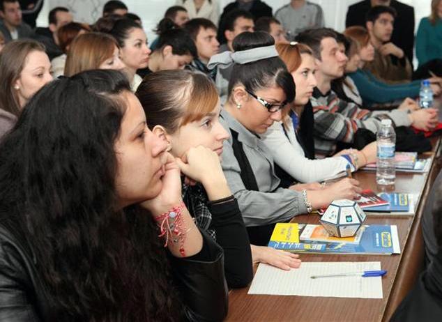 Снимка: Евростат: Студенти от 115 държави учат в наши ВУЗ-ве