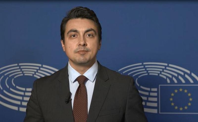 Снимка: Момчил Неков: Трябва пълна прозрачност при даване на разрешения за пестициди в ЕС