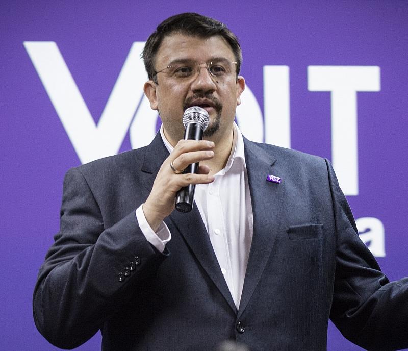Управляващите от ГЕРБ чуха призива на Европейска партия Волт да