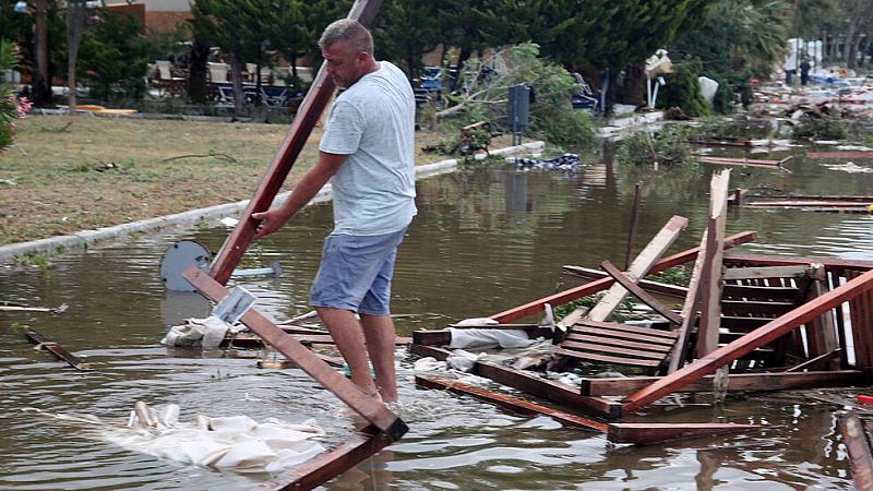 Подобни метеорологични явления са рядкост за Гърция, където летните месеци