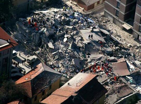 Увеличават се жертвите в Италия, изчезнали са 150 души