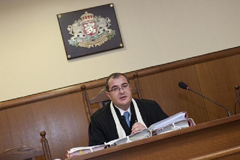 """Снимка: Утре съдът решава дали да остави в ареста свидетели по """"Делото КТБ"""""""