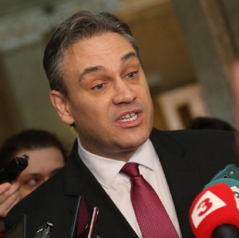Вече бившият шеф на КПКОНПИ Пламен Георгиев не наруши правилото