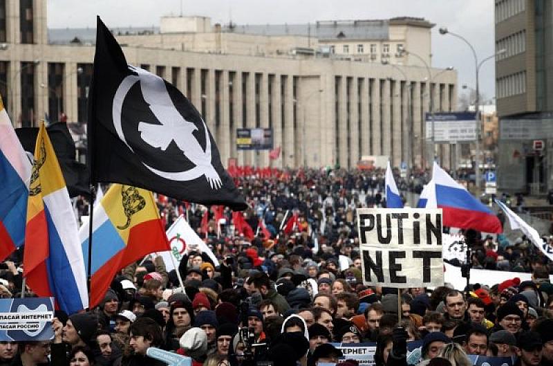 Русия може да блокира достъпа до Facebook и Twitter, ако