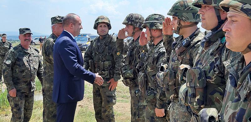 Президентът Румен Радев зове правителството да гарантира при преговорите за