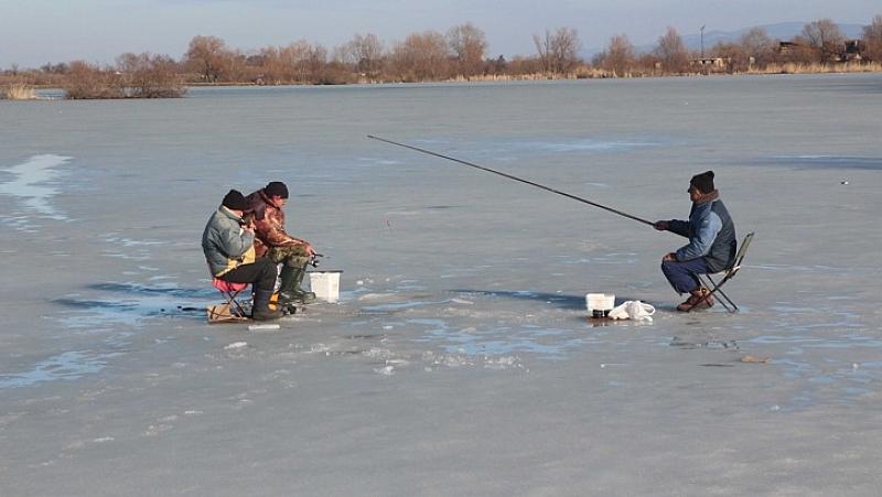 Рибари от цялата страна се събират на протест в местността
