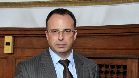 Земеделският министър Румен Порожанов депозира молба до КПКОНПИ цялата информация