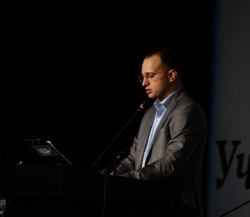 Снимка: С. Славчев: Закона за борба с корупцията слага чадър върху местните феодали