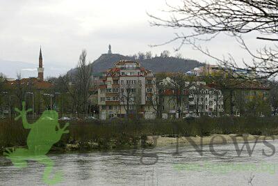 Откриха тяло на мъж в река Марица, водолази са предприели