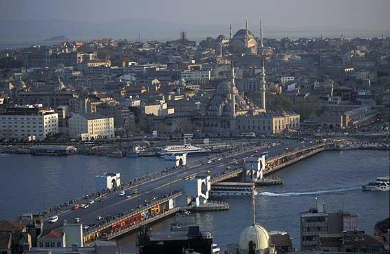 Кандидатът на опозицията в Турция Екрем Имамоглу печели повторните избори