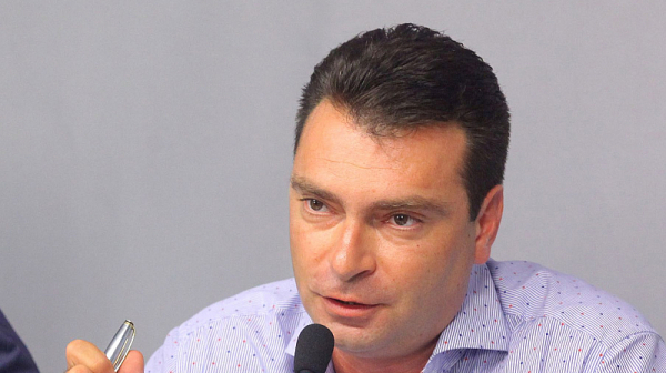 """Калоян Паргов: Позор е отсъствието на тримата български евродепутати от гласуването на пакет """"Мобилност"""""""