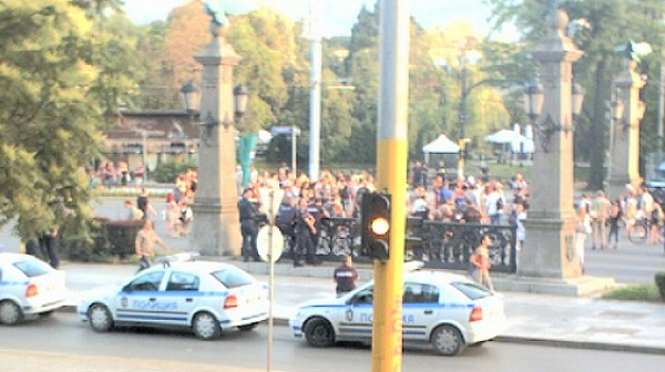 """Протестиращи срещу застрояването на Черноморието блокираха """"Орлов мост"""""""