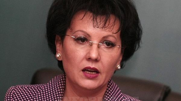 Румяна Арнаудова обвини шефа на КАТ-Благоевград в 3 престъпления