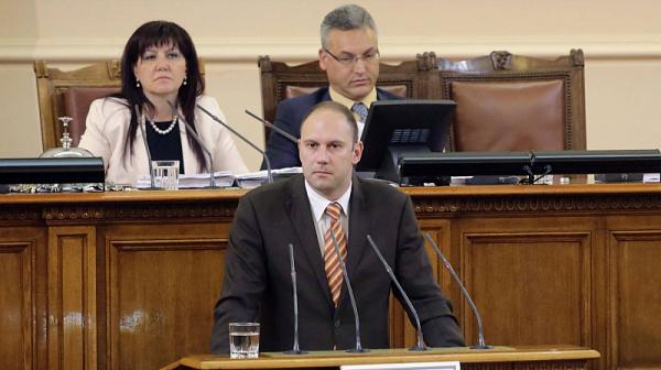 Доц. д-р Николай Цонков: Над 30% е некомплектът от личния състав на военнослужещите