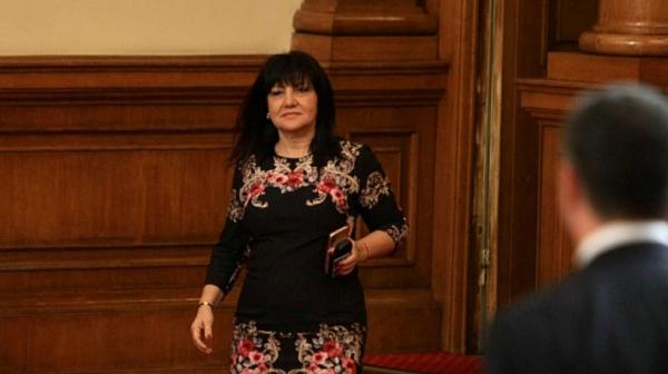 Караянчева: Утре решаваме за Цветанов