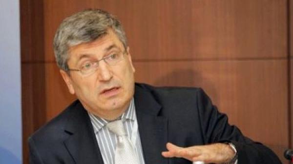 Илиан Василев: Държавата осигурява прикритие за атаки на руските служби срещу ВПК