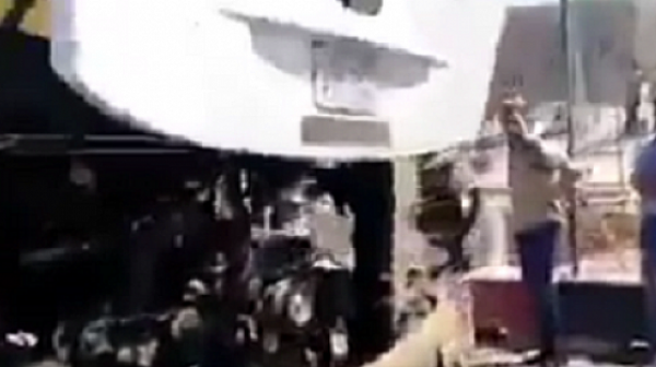 Експлозия близо до туристически автобус в Кайро, има ранени
