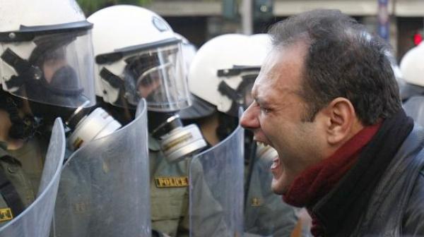 Многохиляден протест в Гърция срещу името на Македония