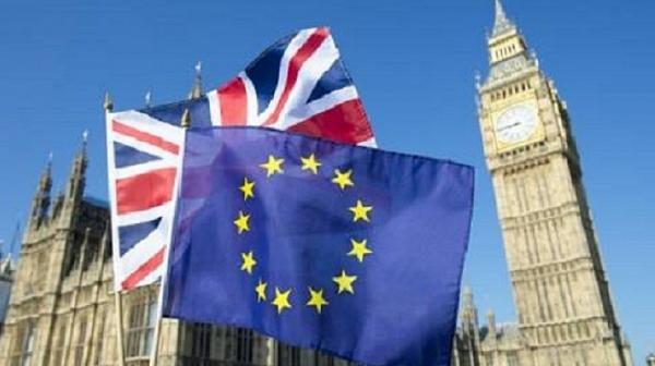 Още един британски министър подаде оставка
