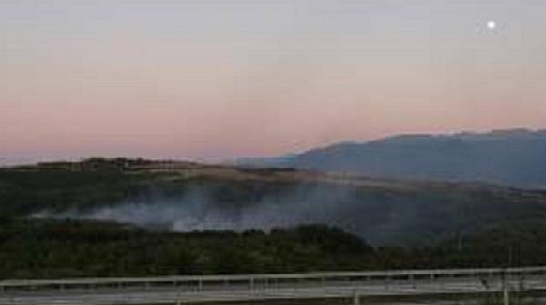 Продължава пожарът в Хасковско