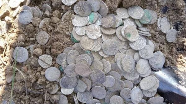 Откриха хиляди сребърни монети в Плевенския затвор