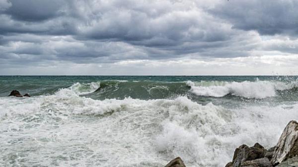 """Морето се """"обръща"""" още веднъж за Голяма Богородица"""