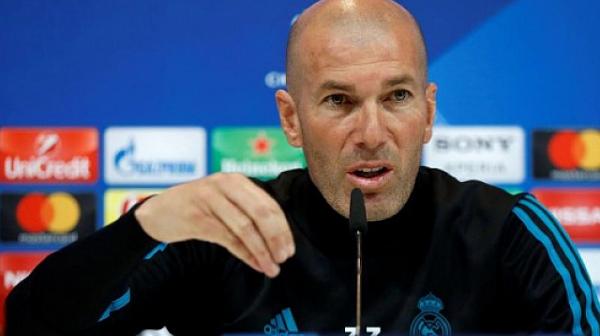 Зидан заплашва да си тръгне от Реал, ако не го слушат