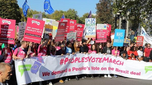 Хиляди на протест в Лондан, искат втори референдум за Brexit