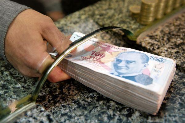 Турската лира поскъпна спрямо долара в началото на днешната търговия