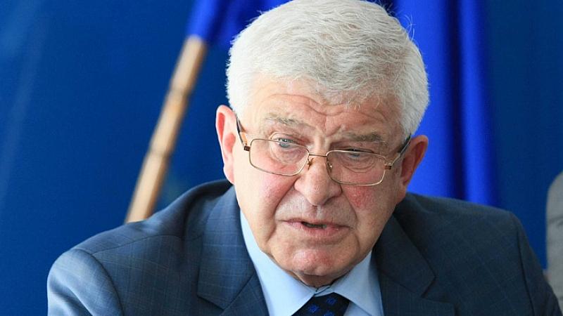 Министърът на здравеопазването Кирил Ананиев получи окончателния доклад от проверката,