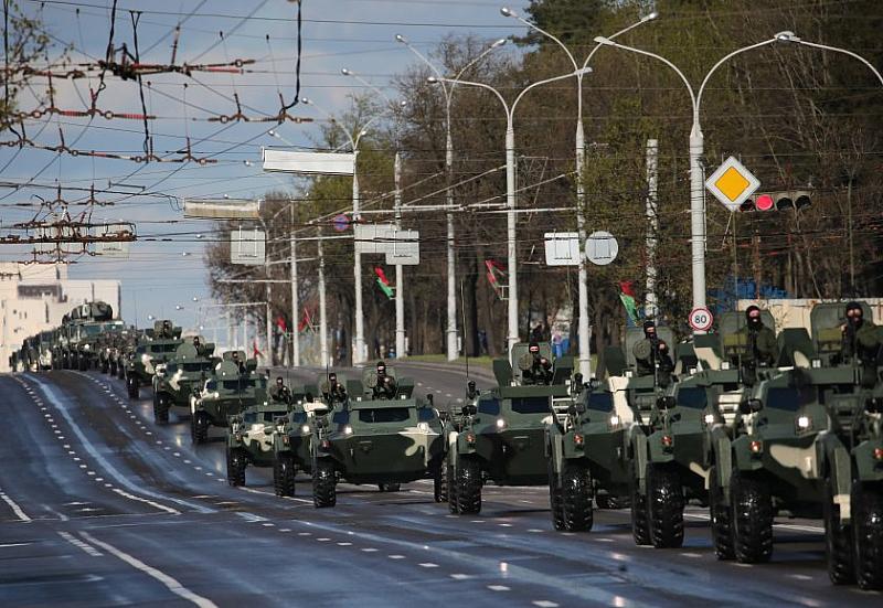 Беларус шашна света с грандиозен военен парад за 90ти май.