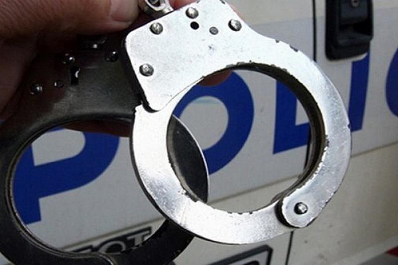 Полицията в София задържа мъж, опитал се да ограби денонощен