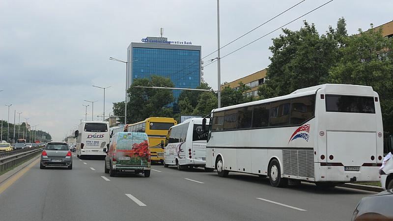 """Жители на район """"Младост"""" 1 обявиха, че ще блокират бул."""
