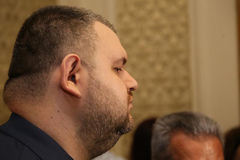 Корпулентният бизнесмен и депутат от ДПС Делян Пеевски е посетил