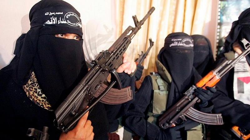 В понеделник, Турция започна да връща обратно бойци на ИДИЛ