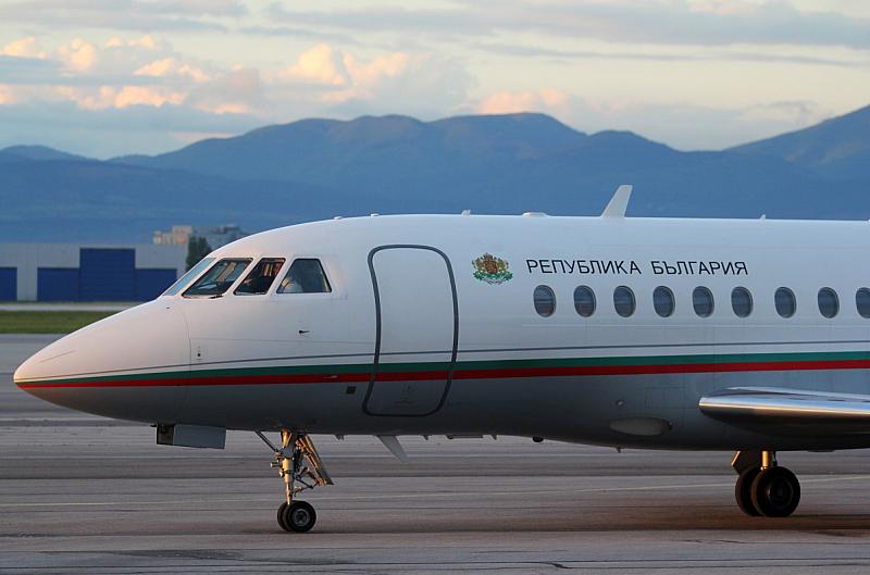 """Министерски съвет реши """"Авиоотряд 28"""", който стопанисва самолетите за полети"""