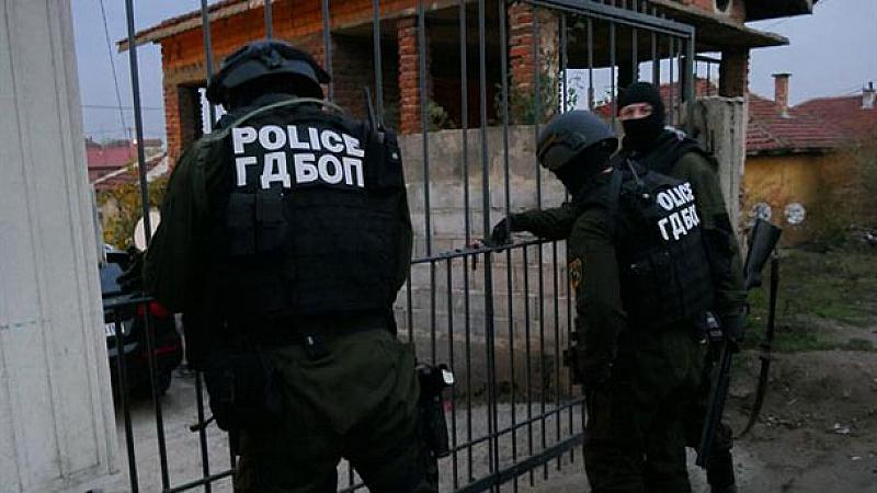 Снимка: Мащабна акция на ГДБОП в София. Арестувани са над 10 души