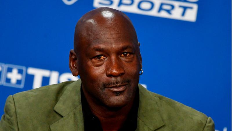 Легендарният баскетболист Майкъл Джордан обяви, че ще направи дарение от
