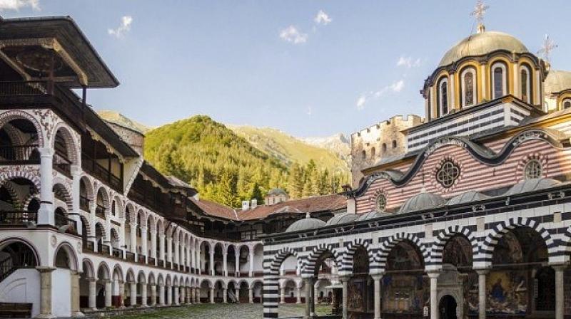 Рилският манастир е изправен пред фалит и ще търси спасение