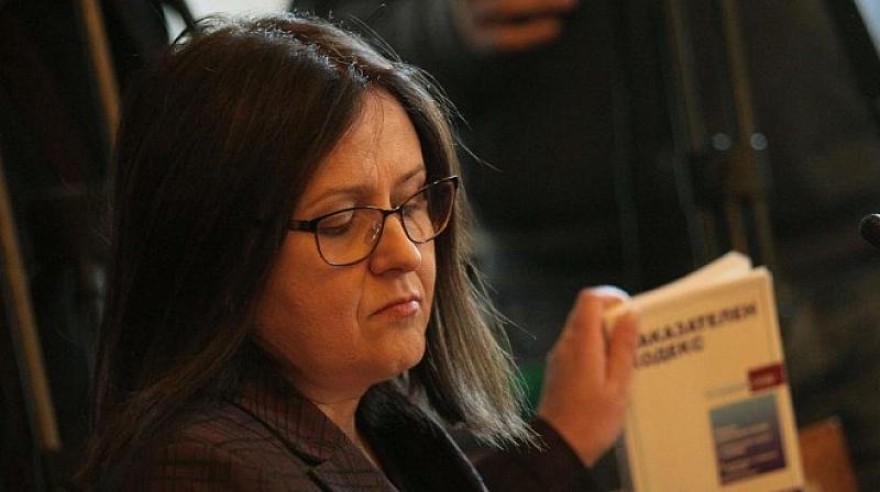 Зам.-главният прокурор Мария Шишкова е депозирала оставката си. Тя е