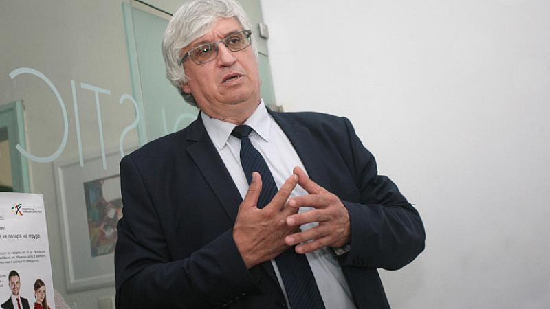 """""""Наблюдава се процес на завръщане на българи от чужбина, водени"""