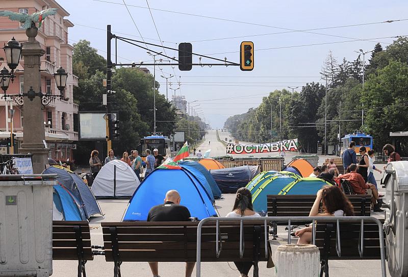 София и днес осъмна блокирана. Протестиращите протестиращите продължават да са