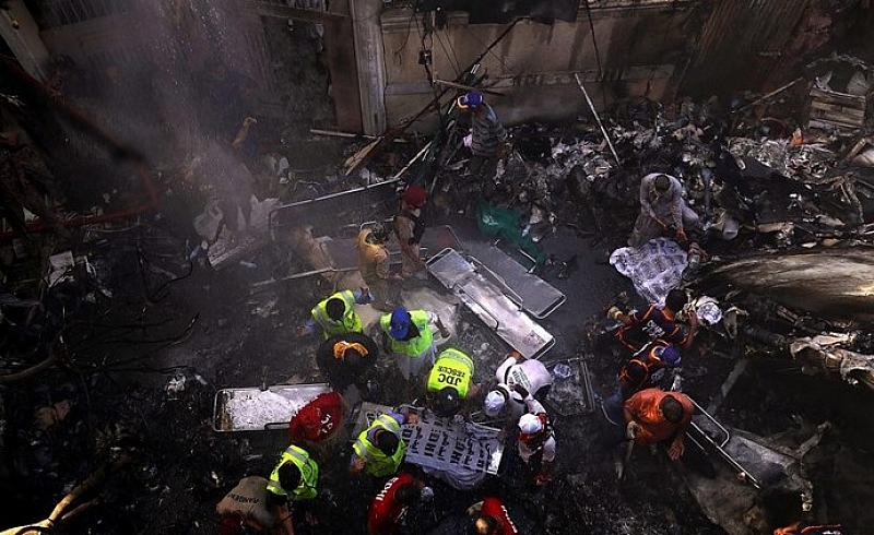 Броят на загиналите при днешната катастрофа с пътнически самолет А320