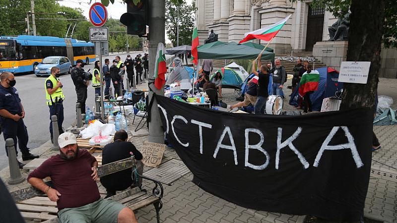 Правителството на Борисов е изправено пред класическата дилема за реакция
