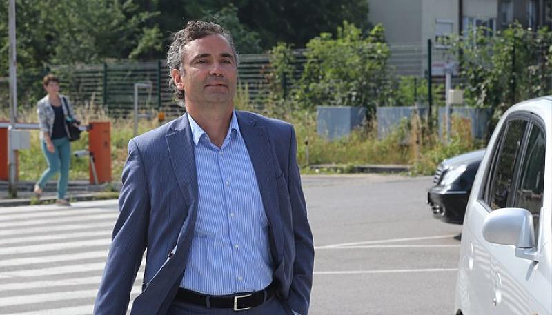 Със сигурност г-н Нунев е влиятелен човек в нашия град.