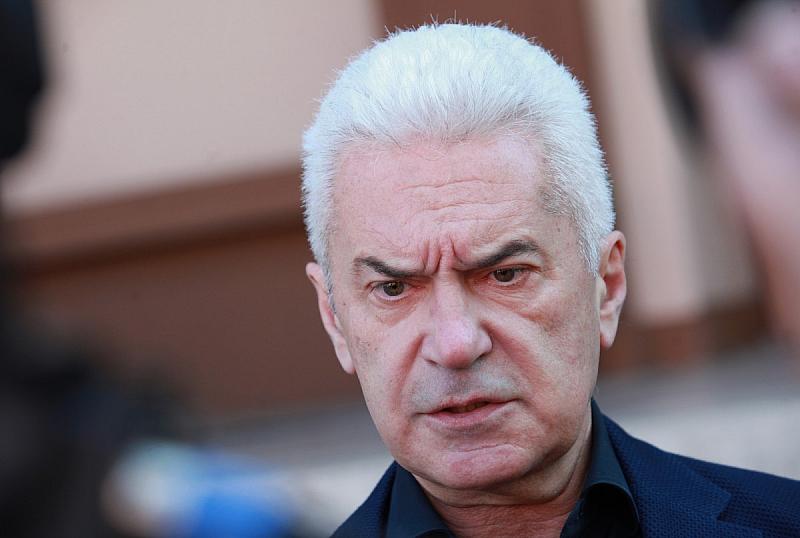 Кръвната проба на евродепутата Ангел Джамбазки е подменена по поръчка