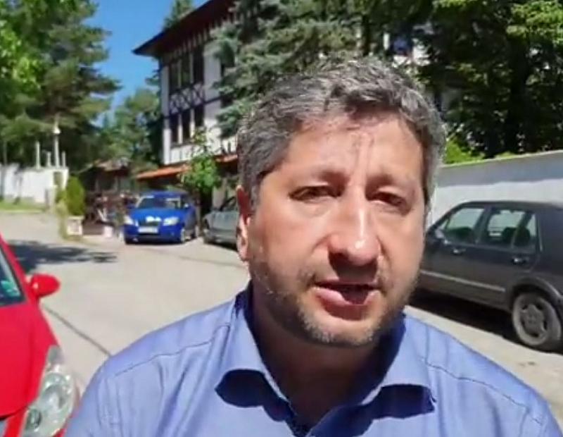 Христо Иванов отговори във видео на твърденията на премиера Бойко