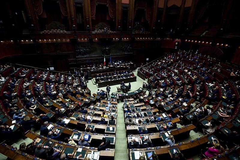 Снимка: Италия намалява броя на депутатите си с 1/3