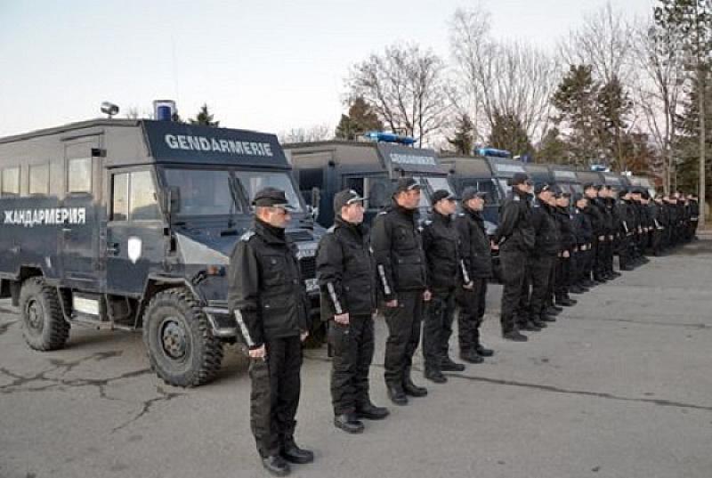 Засилено полицейско присъствие на студентския празник в курортите и по