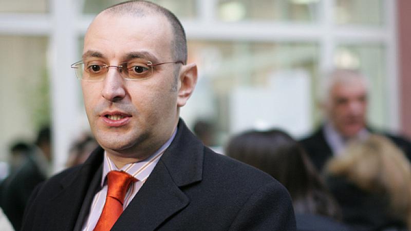Българският бизнесмен Васил Божков по-скоро е задържан, отколкото арестуван в